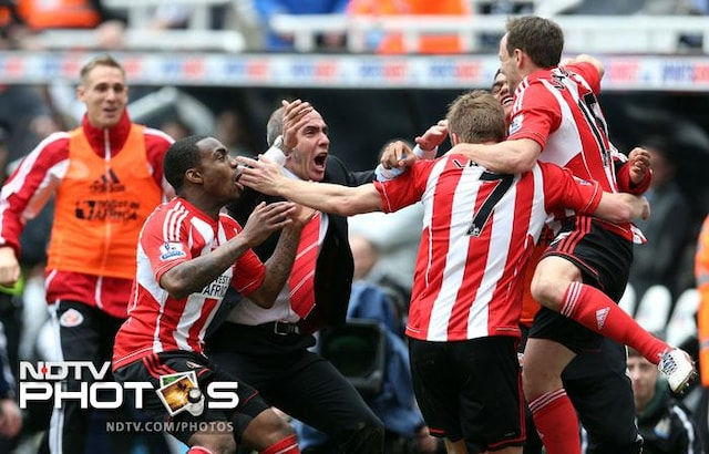 EPL, April 14: Di Canio goes wild, Man United inch closer to title