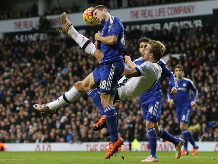 EPL: Liverpool Climb, Arsenal & Chelsea Held