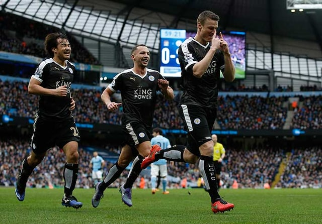Leicester City Stun Manchester City to Take Six Point Lead