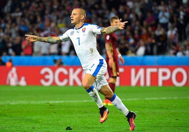 Euro 2016: France First Team to Enter Last 16 With Win Over Albania
