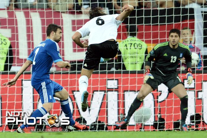 Euro 2012: Germany beat Greece 4-2, reach semis