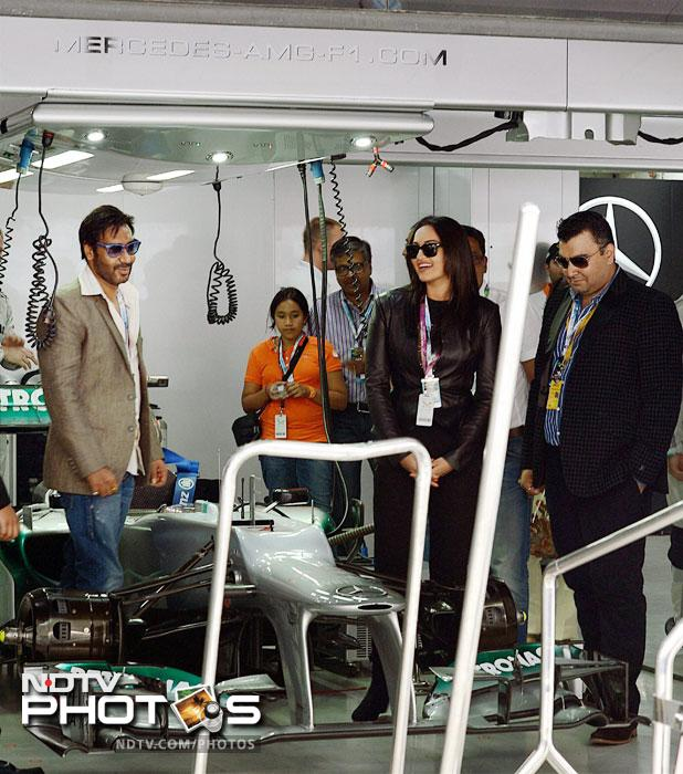 Sania, Sonakshi and Bhajji enjoy Indian GP