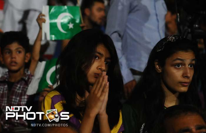 Fans' emotions when India took on Pakistan