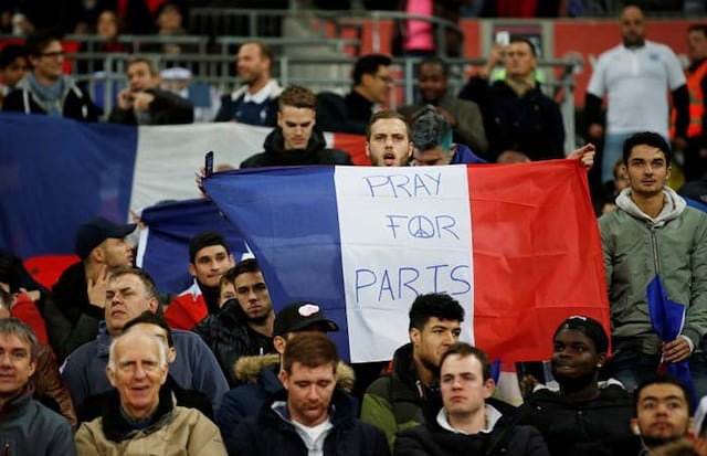 Paris Terror Attacks: Wembley Pays Moving Tribute in England-France Football Friendly
