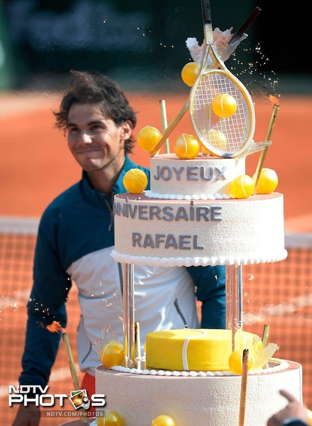 Rain, racquets and a freshly baked cake - a taste of the 2013 French Open