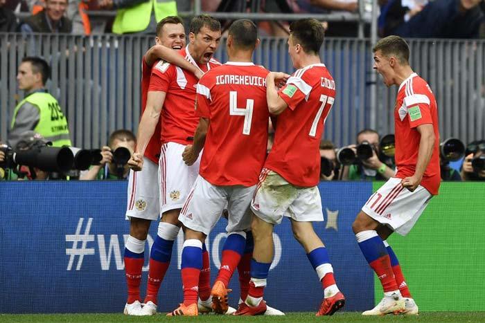 मेजबान रूस ने सऊदी अरब को 5-0 से दी जबरदस्त मात