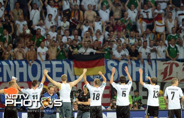 Germany defeat the Netherlands 2-1