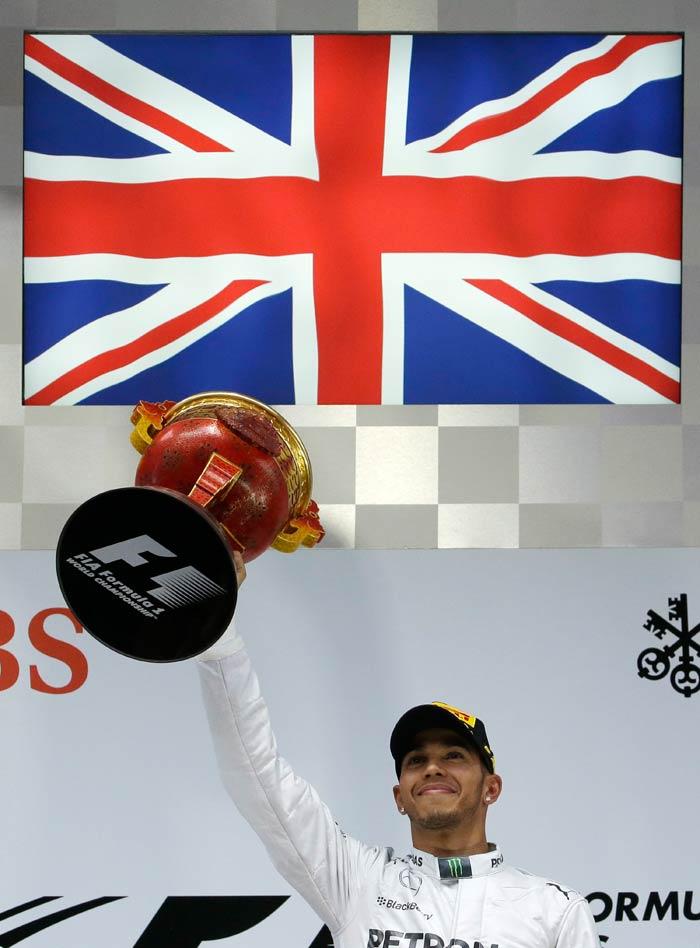 Chinese Grand Prix: Hamilton's thrid win on the trot