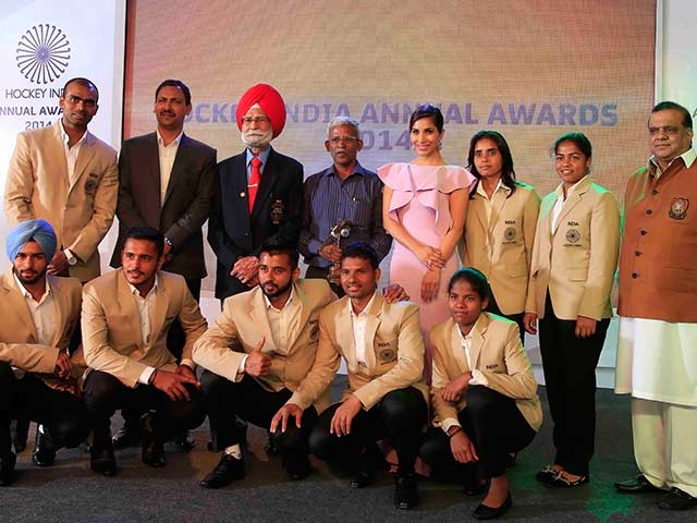 Hockey India Confers Lifetime Achievement Award on Lifetime Balbir Singh Senior
