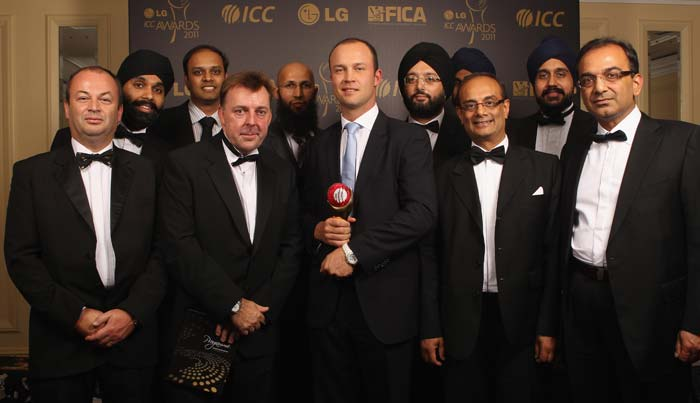 England stars bag prestigious ICC awards