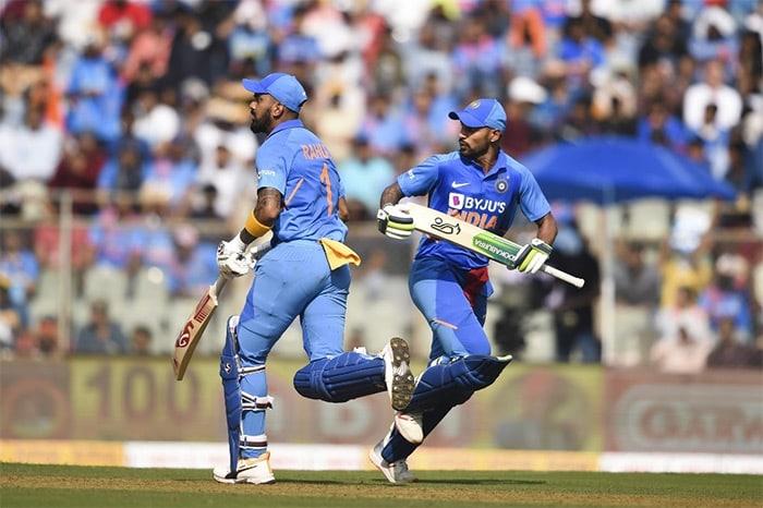1st ODI: David Warner, Aaron Finch Blow India Away To Take Series Lead