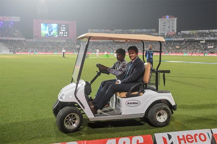कोलकाता में भारत बनाम बांग्लादेश डे नाइट टेस्ट मैच जारी