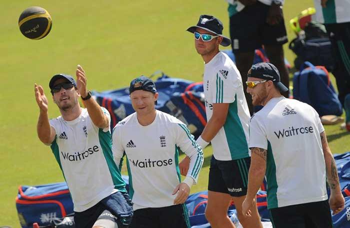 राजकोट में पहले टेस्ट के लिए तैयार टीम इंडिया और इंग्लैंड