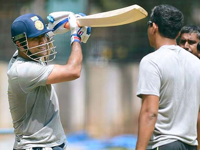 Mahendra Singh Dhoni Gets a Decent Hit on Second Day of Practice