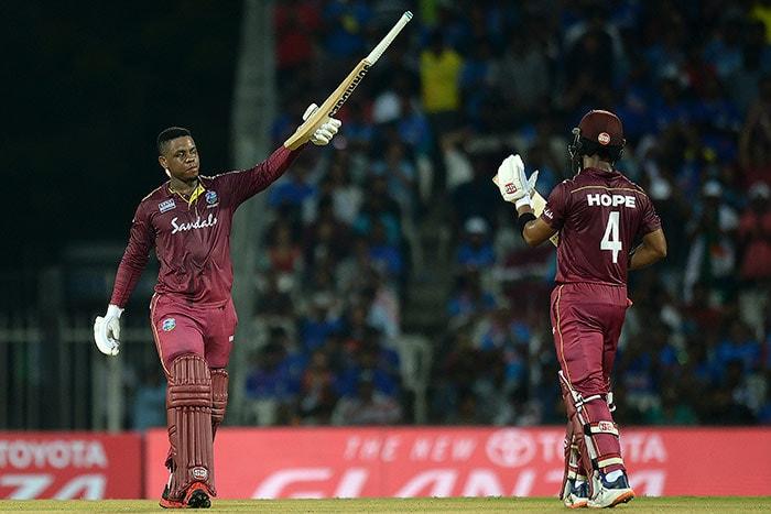 पहला वनडे: वेस्टइंडीज ने भारत को 8 विकेट से हराया