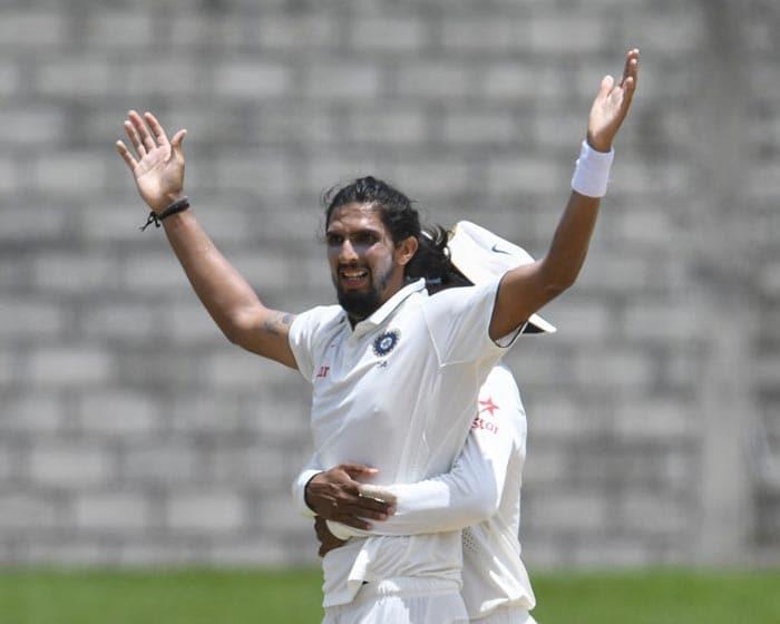 तीसरा टेस्ट: गेंदबाजों ने दिलाई भारत को वेस्ट इंडीज पर बड़ी जीत