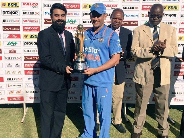 Photo : भारत ने जिम्बाब्वे का सूपड़ा साफ किया, तीसरा वनडे 10 विकेट से जीता