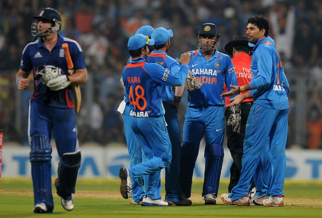 2nd T20: Skippers knock from either side but England win to level series