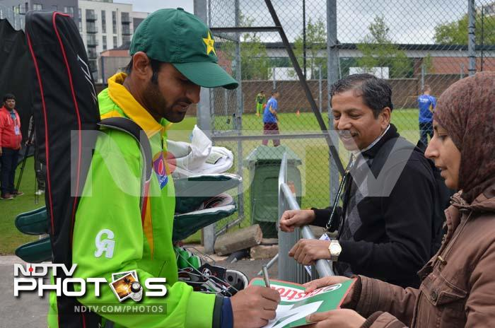 Fans: No blue vs green here as Pak team obliges all!