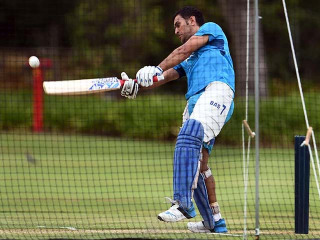 Photo : World Cup 2015: MS Dhoni, Virat Kohli Show the Way in Training Session