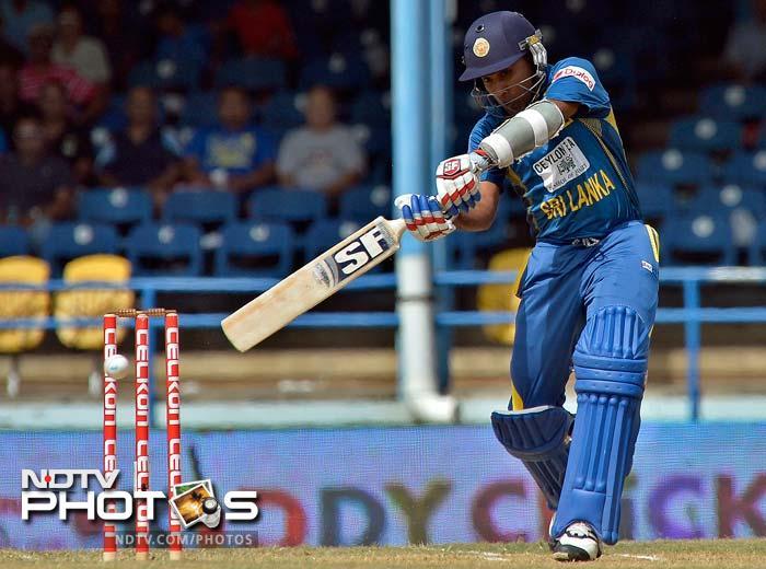 India defeat Sri Lanka to win Tri-nation trophy