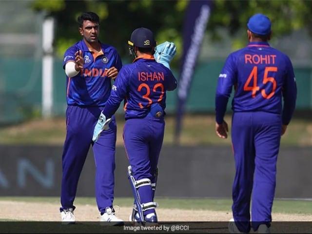 Photo : भारत ने अपने आखिरी वार्मअप मैच में ऑस्ट्रेलिया पर 9 विकेट से जीत हासिल की