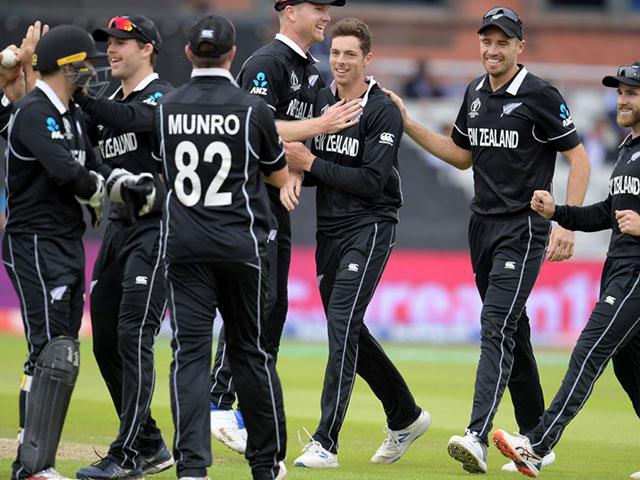 Photo : विश्व कप 2019: सेमीफाइनल में न्यूजीलैंड ने भारत को हराया