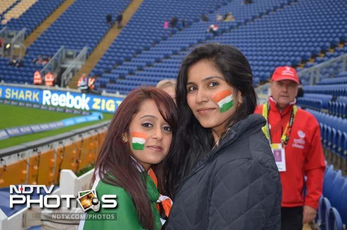 India vs Sri Lanka: Smurfs, flags and fans