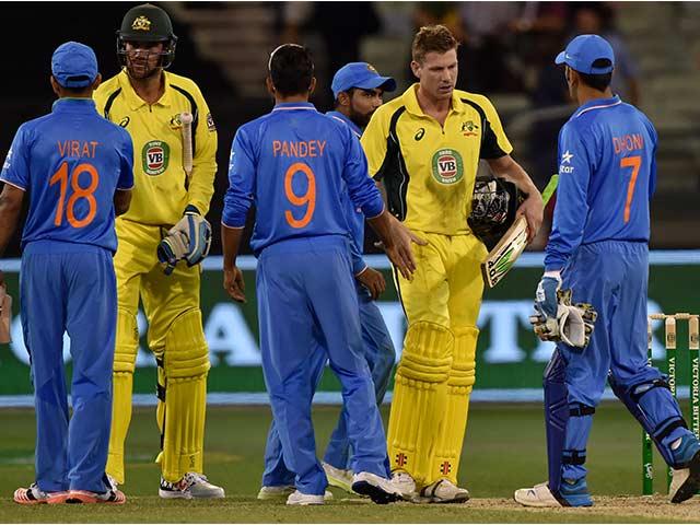 Photo : मैक्सवेल ने टीम इंडिया की उम्मीदों पर फेरा पानी, ऑस्ट्रेलिया ने जीती सीरीज