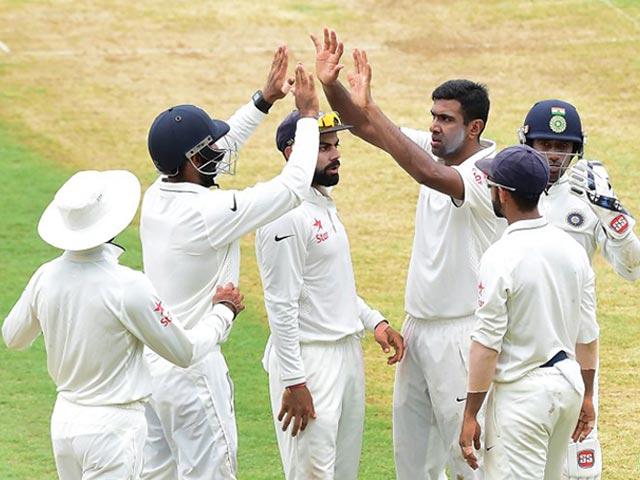 Photo : दूसरा टेस्ट: पहले ही दिन अश्विन की फिरकी के आगे वेस्टइंडीज पस्त