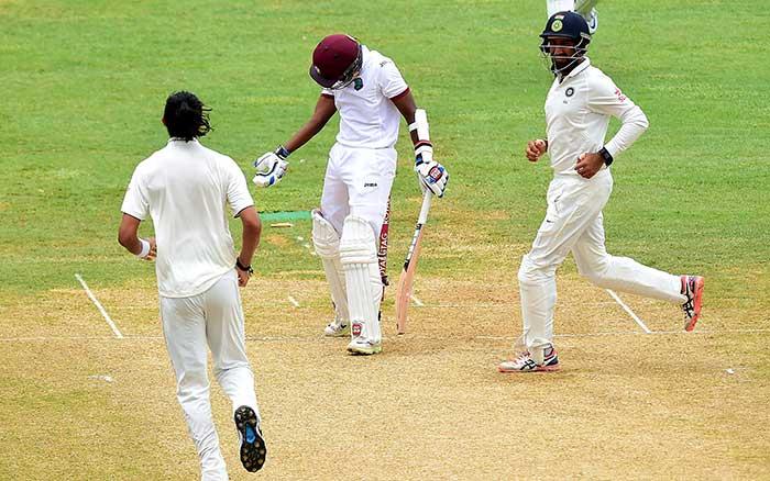 दूसरा टेस्ट: भारत की मैच पर पकड़ हुई और मजबूत, विंडीज ने महज 48 रन पर गंवाये 4 विकेट
