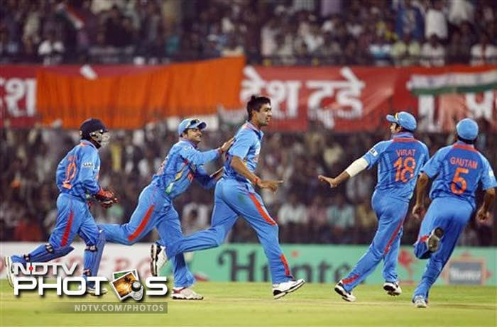 Super Sehwag guides India to huge win
