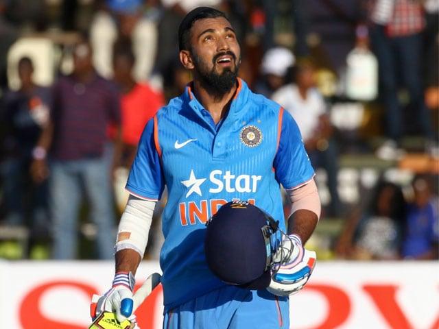 Photo : डेब्यू मैच में शतक जड़ राहुल ने दिलाई टीम इंडिया को बढ़त