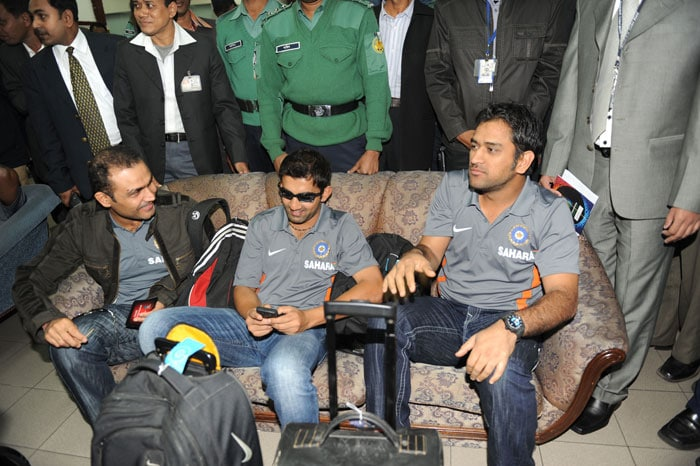 Team India arrive in B'desh
