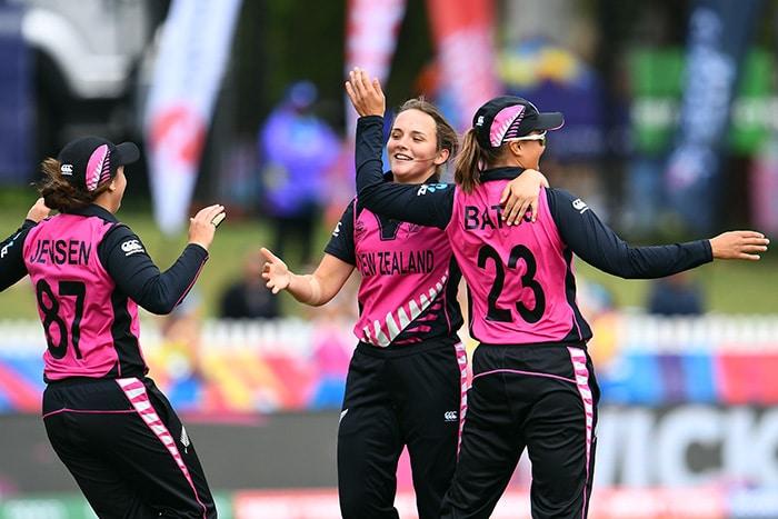 महिला टी20 विश्व कप: न्यूजीलैंड को हराकर सेमीफाइनल में पहुंचा भारत