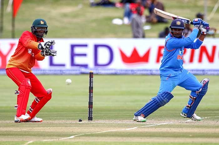 धोनी की टीम ने जिम्बाब्वे को दूसरे वनडे में भी धोया, सीरीज पर कब्जा