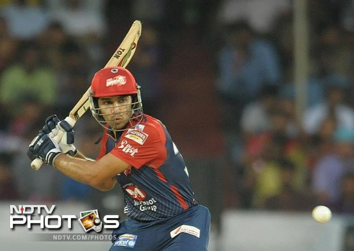 Warner powers Delhi to win over Chargers