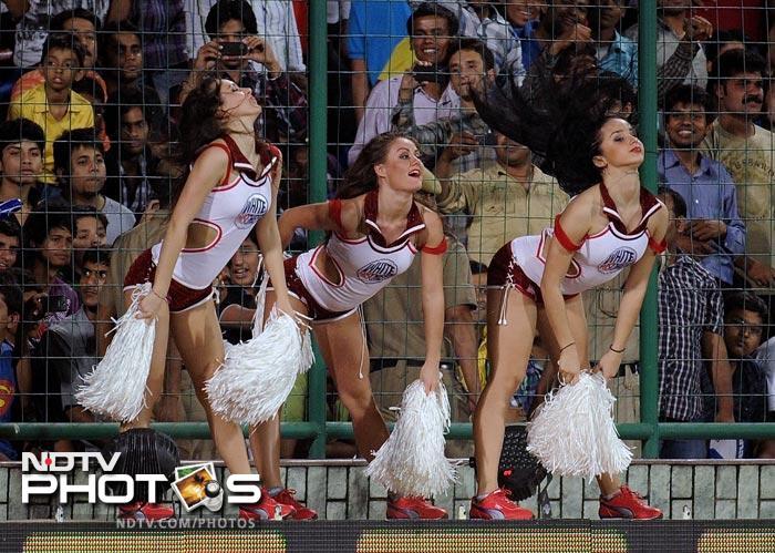 Cheerleaders add bling to IPL 5