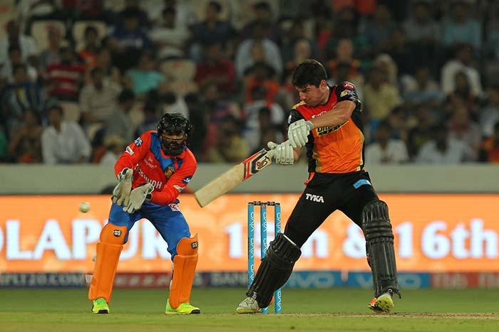 IPL 2017: वॉर्नर और हेनरिक्स ने सनराइजर्स हैदराबाद को दिलाई दमदार जीत