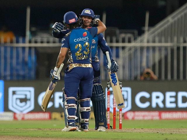 Photo : टी20 लीग: मुंबई ने चेन्नई को 10 विकेट से हराया