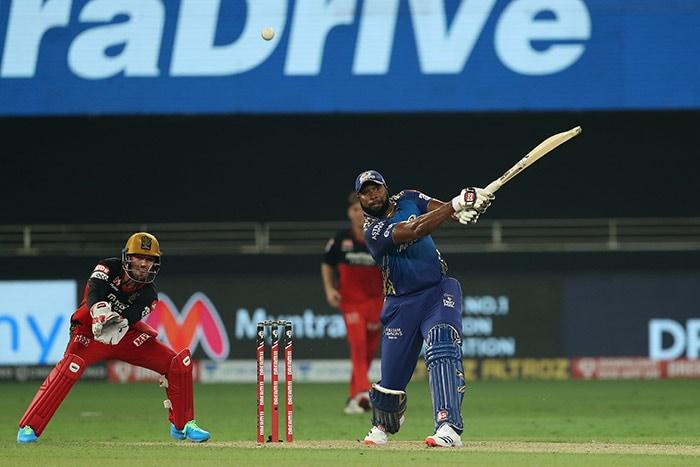 टी20 लीग: बैंगलोर ने सुपर ओवर में मुंबई को हराया
