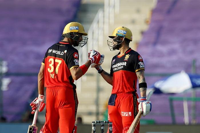 आरसीबी ने राजस्थान को 8 विकेट से हराया, विराट कोहली ने जड़ा अर्थ शतक