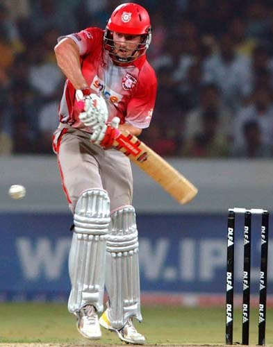 19th Match: Deccan Chargers vs Kings XI