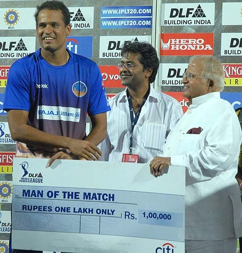 30th Match: Rajasthan Royals vs Deccan Chargers