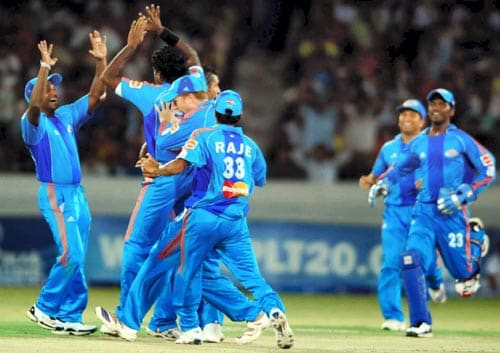 42nd Match: Hyderabad Deccan Chargers vs Mumbai Indians