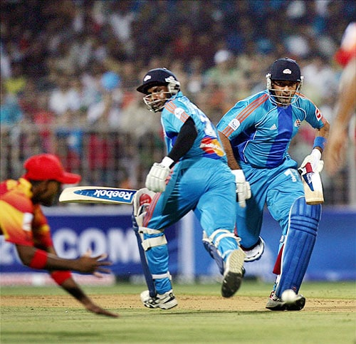 5th Match: Mumbai Indians vs Royal Challengers