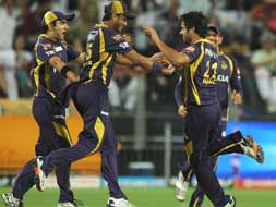 Photo : IPL 5: Kolkata book place in final by packing off Delhi