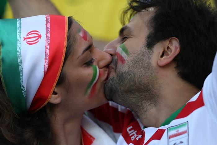 iran-fans.jpg