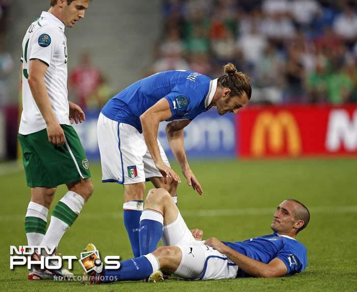 Euro 2012: Italy beat Ireland to enter quarters