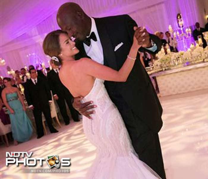 NBA legend Jordan ties the knot